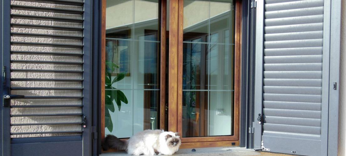 Sistemi oscuranti antoni e persiane in alluminio - Pulire porte legno ...